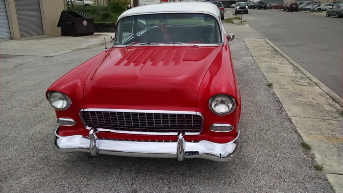 1955 Chevy front view showing grill