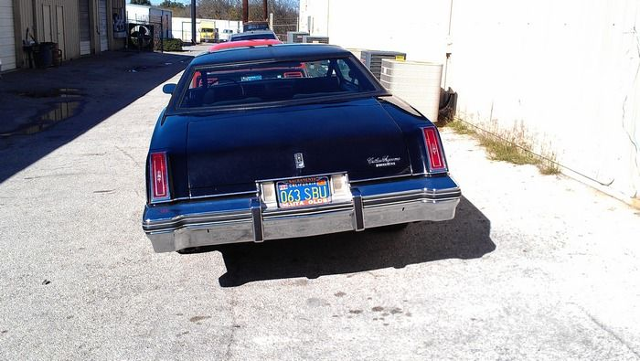 1977 Oldsmobile Cutass Supreme rear view
