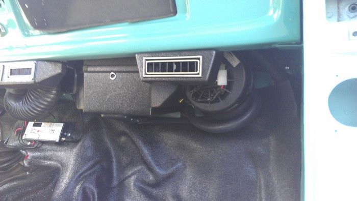 1967 Ford F350 VINTAGE AIR™ fan and vent