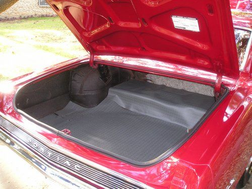 1965 pontiac gto, inside the trunk