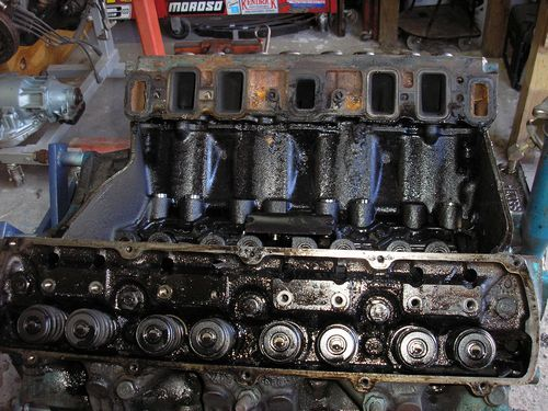 engine block inside view, valves and lifters, 1970 oldsmobile vistacruiser, before restoration